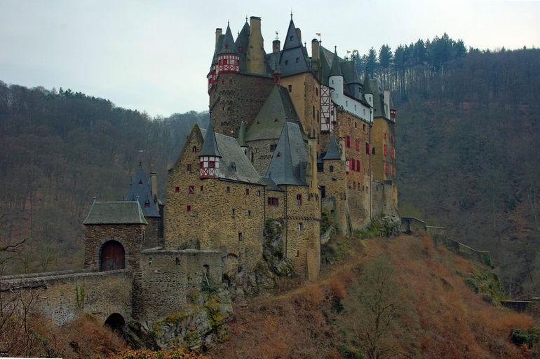 Burg-eltz-11-a