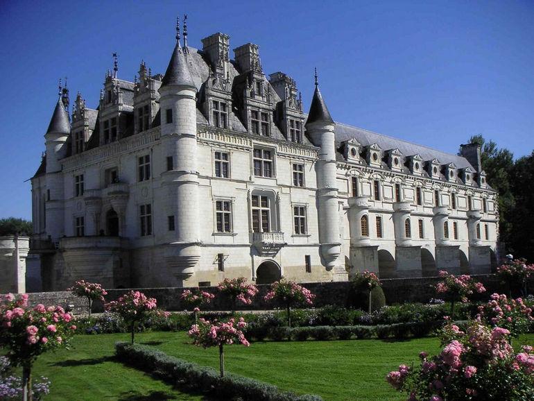 Ch--teau-de-chenonceau_cot--_jardin_catherine