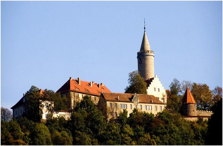 Замок Лойхтенбург