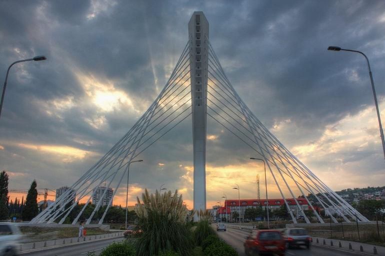 Millenium_Bridge_HDR_by_Sbus