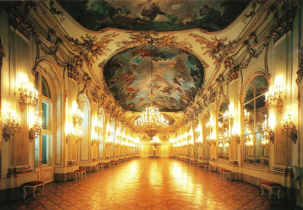 Schönbrunn-Palace-1