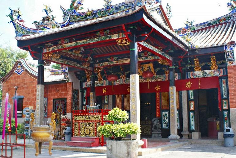Snake_temple_Penang