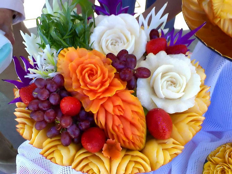 fruit-carving (1)