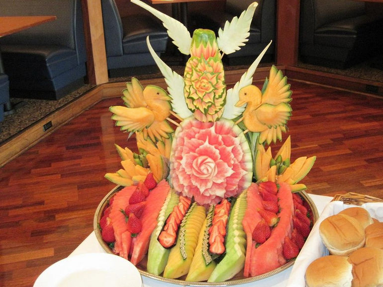 fruit-carving-3