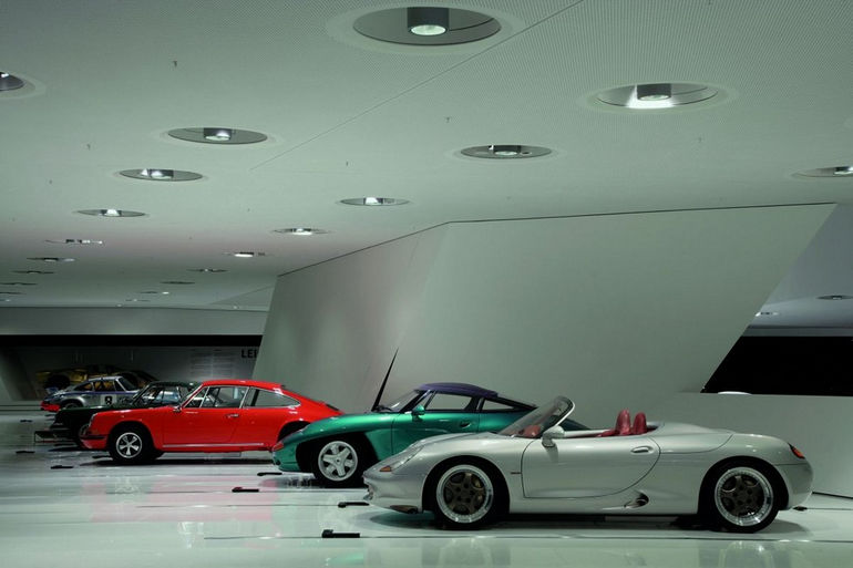 Музей Porsche в Штутгарте (Германия)