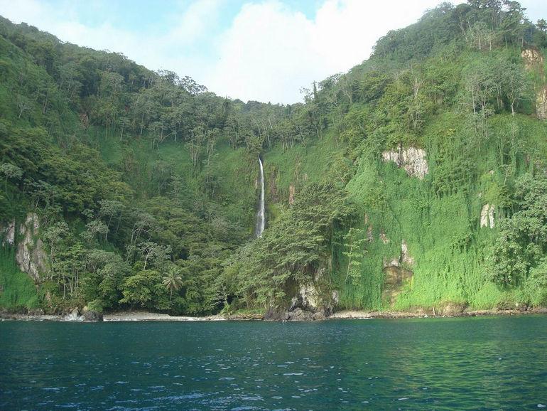 waterfall__wafer_bay__cocos_island