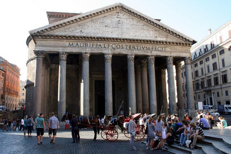 0_Pantheon_-_Piazza_della_Rotonda_-_Rome_(1a)