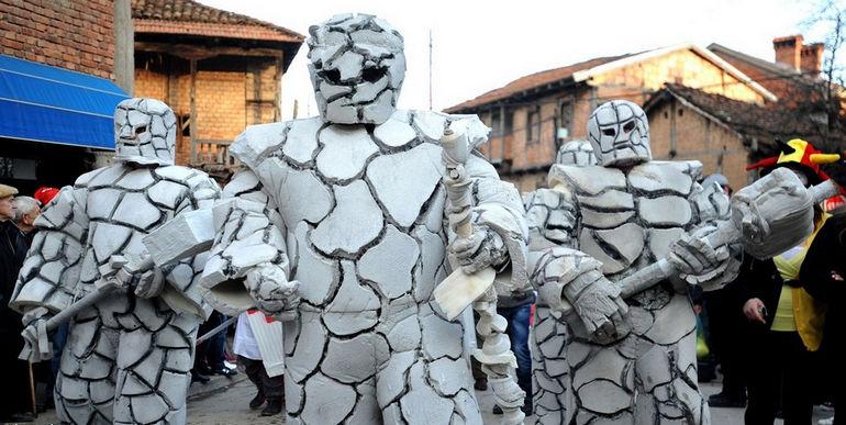 Карнавал в Вевчани в День святого Василия (Македония)