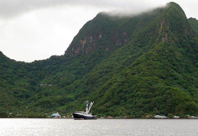 Cape-Finisterre-Pago-Harbor2