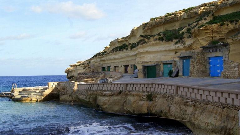 Casas-cuevas-de-Dahtel-Qorrot-Isla-de-Gozo-Malta