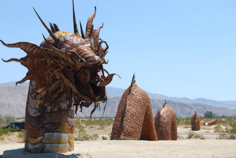 Скульптуры Анза Боррего: возрождение доисторических животных (США)