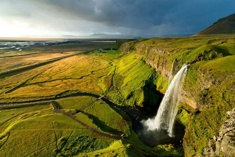 Iceland_013_SeljalandsfossEvening
