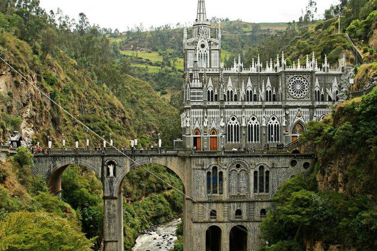 Церковь Лас-Лахас: сооружение в память о чуде (Колумбия)
