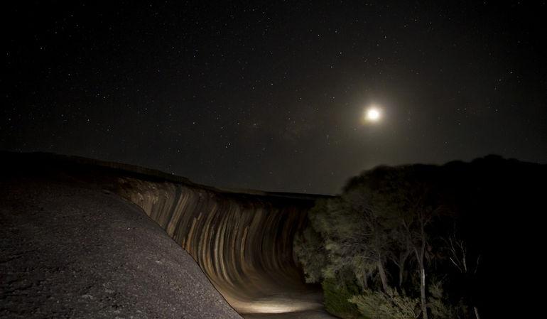 Light-painting-at-Wave-rock-Western-Australia-2000x1333