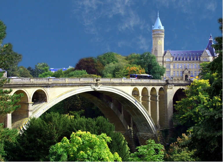 Luxembourg_Pont_Adolphe