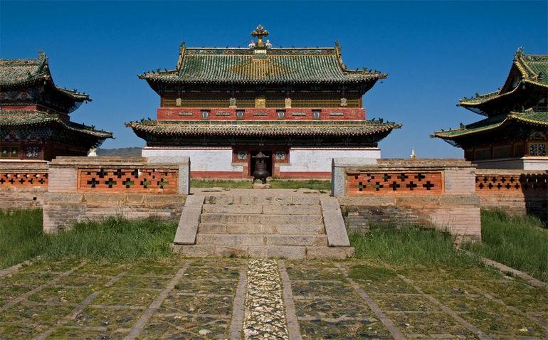 Mongolia - Erdene Zuu Khiid - Temple (medium)
