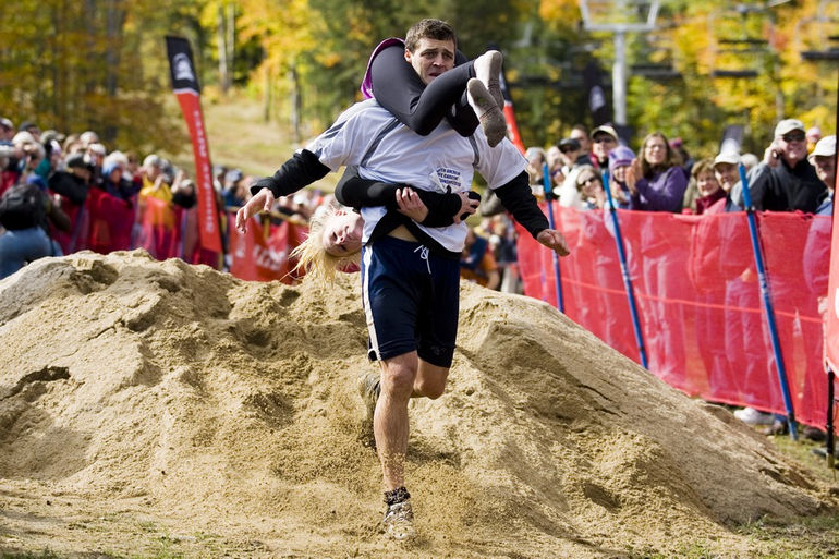 NL_Oct10_WifeCarrying_9918