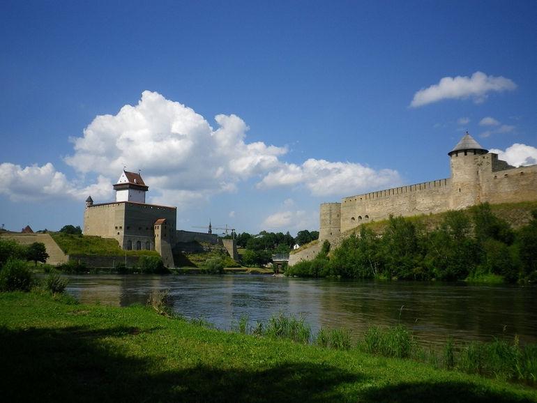 Narva_Hermanni_linnus