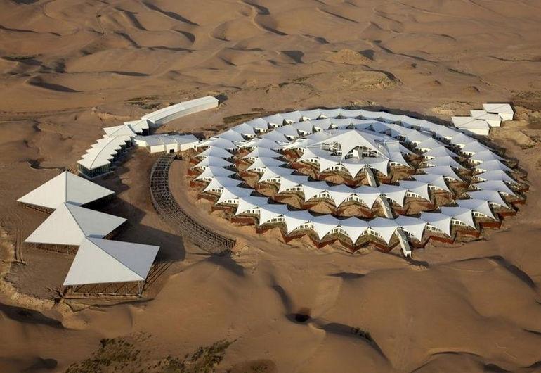 Отель «Песчаный Лотос»: цветок в пустыне (Китай)