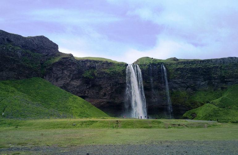 Seljalandsfoss-Waterfall-Park