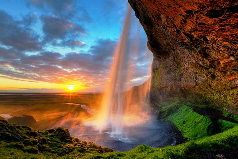 Sunset-At-Seljalandsfoss-Waterfall