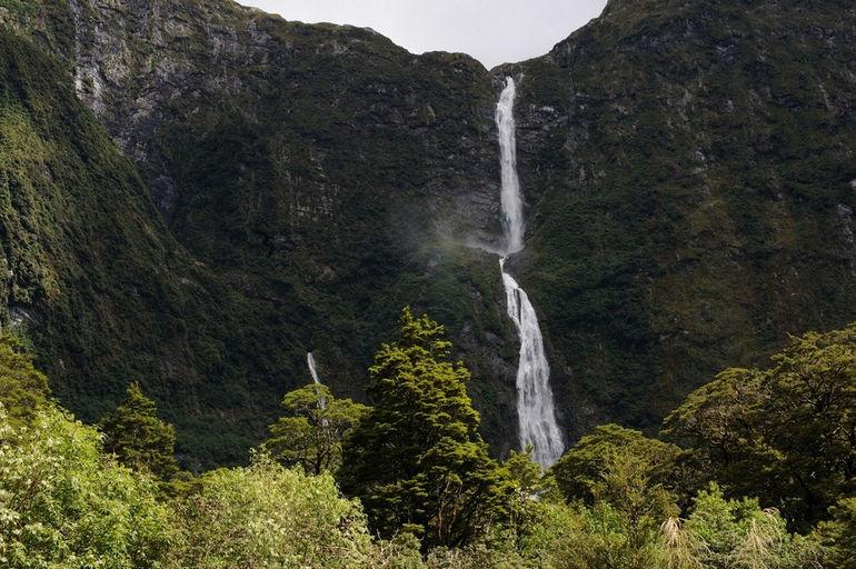 Upper_Sutherland_Falls