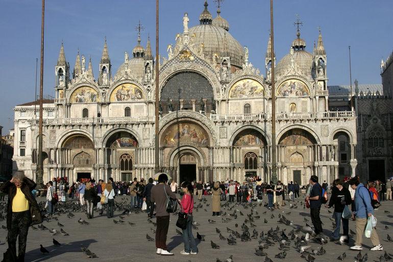 Venice_-_St._Marc's_Basilica_01