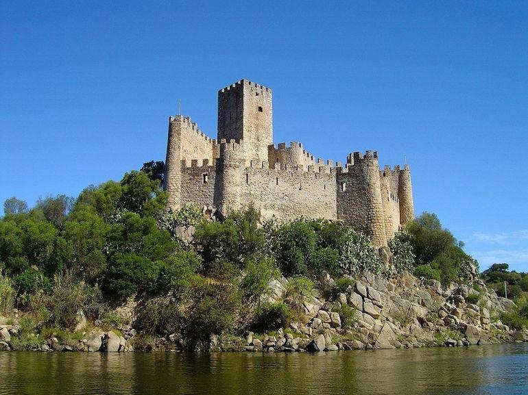 castelo_de_almourol_portugal