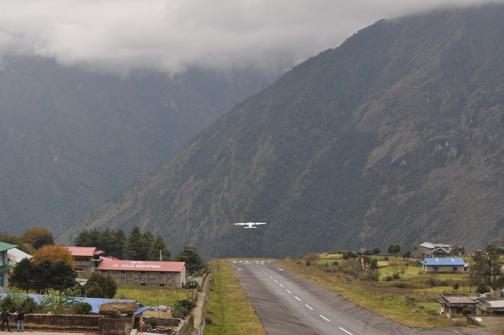 plane-takes-off-at-lukla-airport