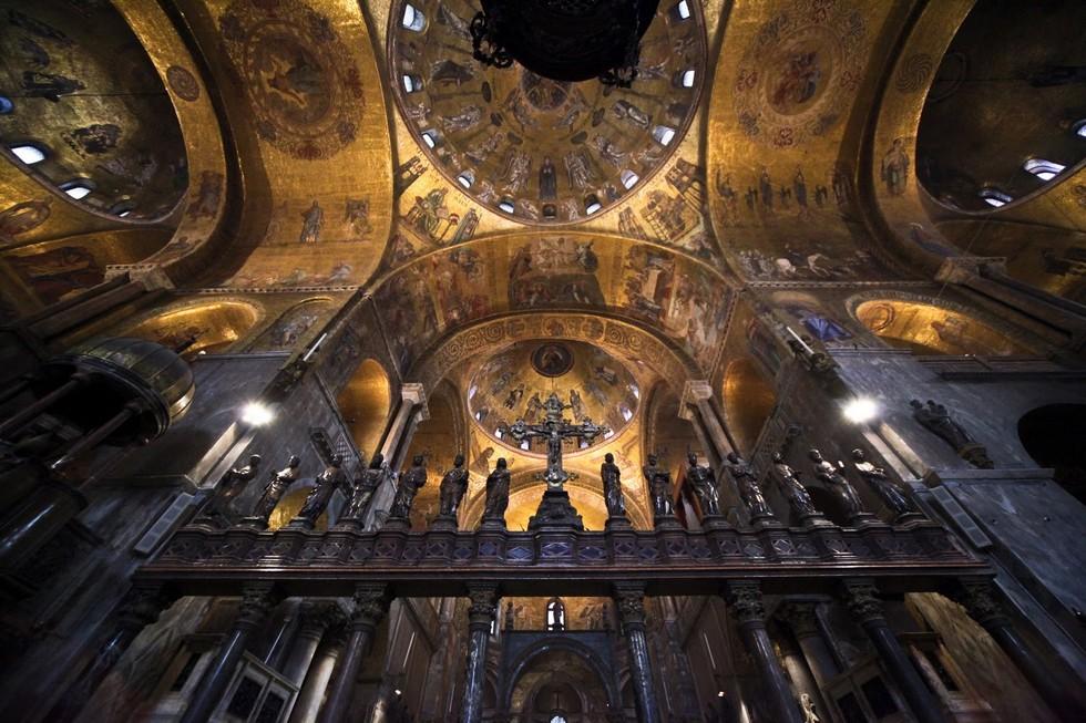 st-marks-basilica-interior31