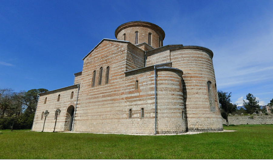 Пицундский-храм-Абхазия
