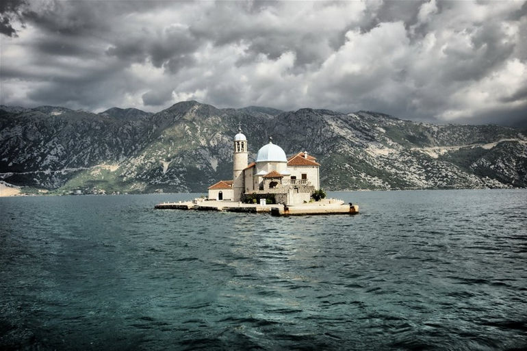 Gospa od Skrpjela: остров Адриатики (Черногория)