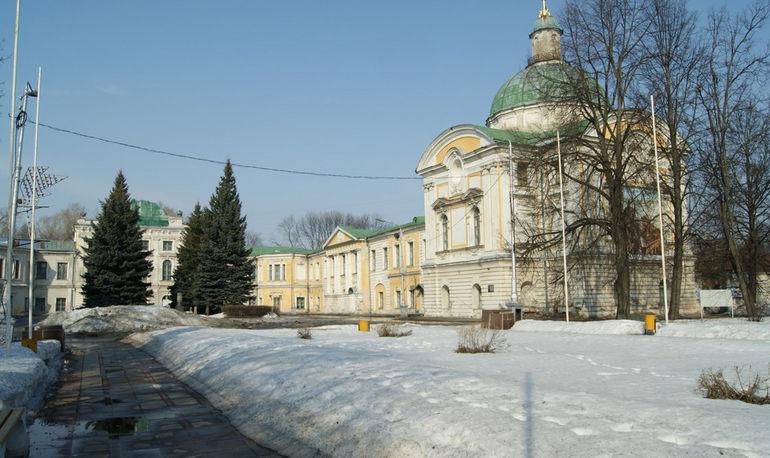 Путевой дворец в Твери (Россия)