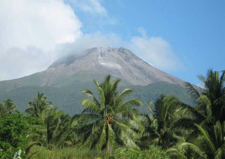 Bulusan_Volcano