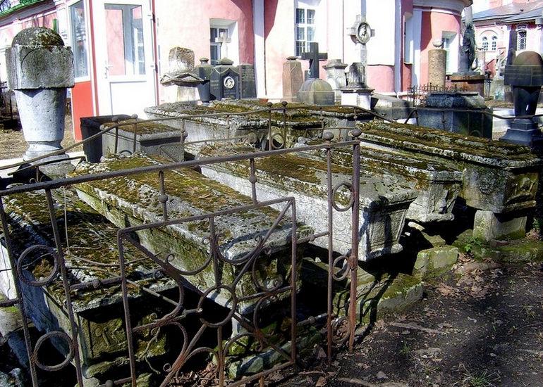 Donskoy-sarcophagi1