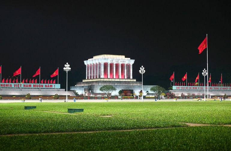 Ho-Chi-Minh-Mausoleum-Hanoi-City-Tours
