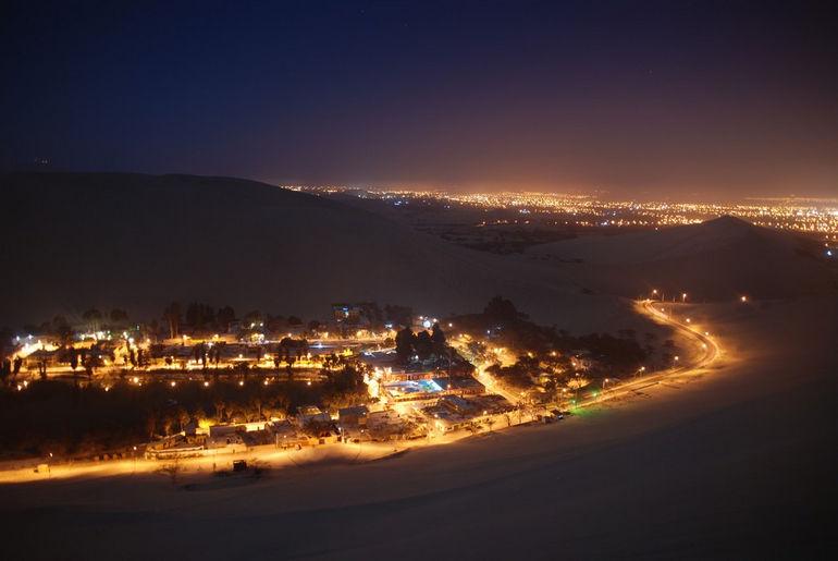 Huacachina_night_1