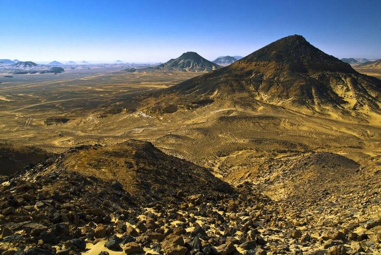 egypt-black-desert-241928