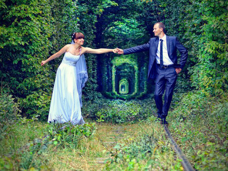 влюбленные-в-Тоннеле-Любви