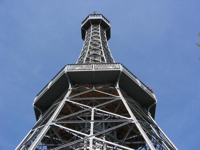 Петршинская башня в Праге (Чехия)