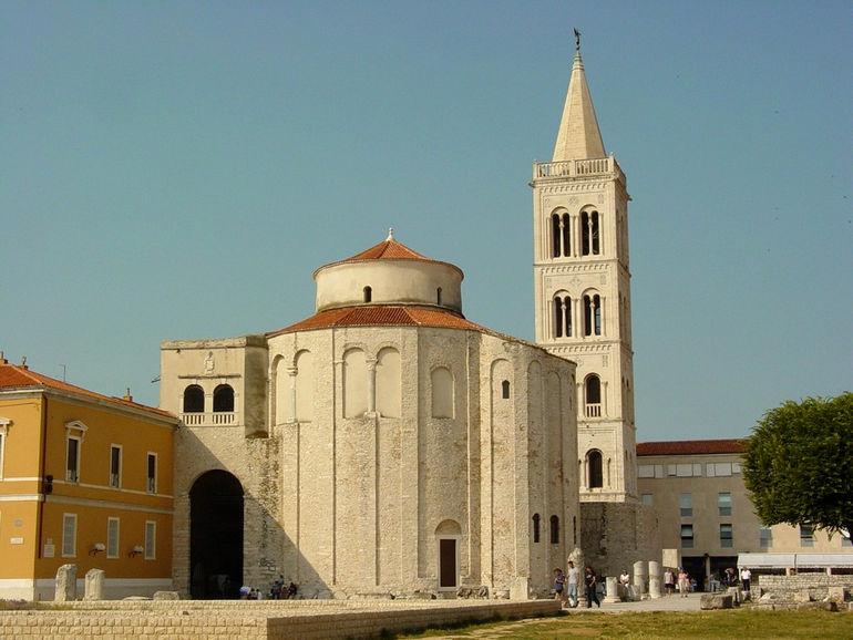 Church_of_St._Donat_in_Late_Afternoon_Light_-_Zadar_-_Croatia