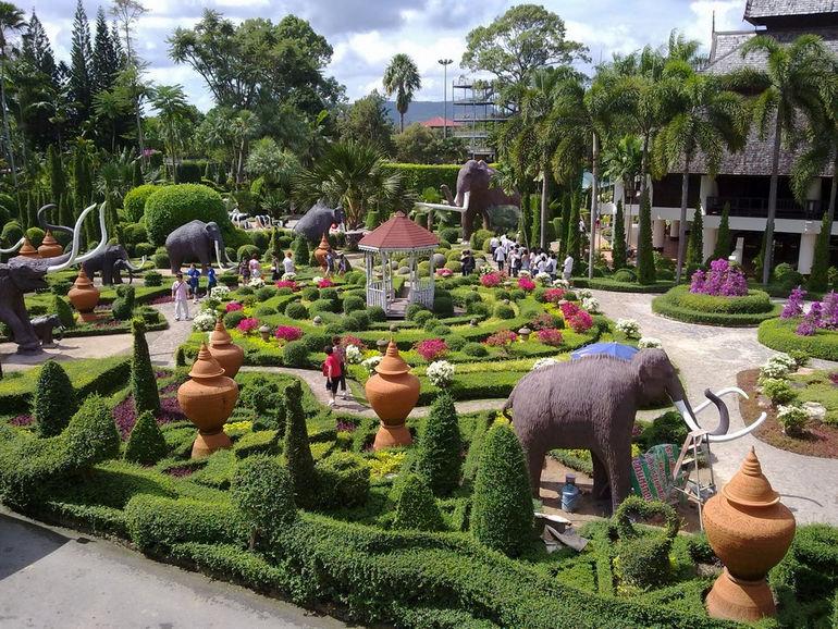 Suan-Nong-Nooch-Thailand-1