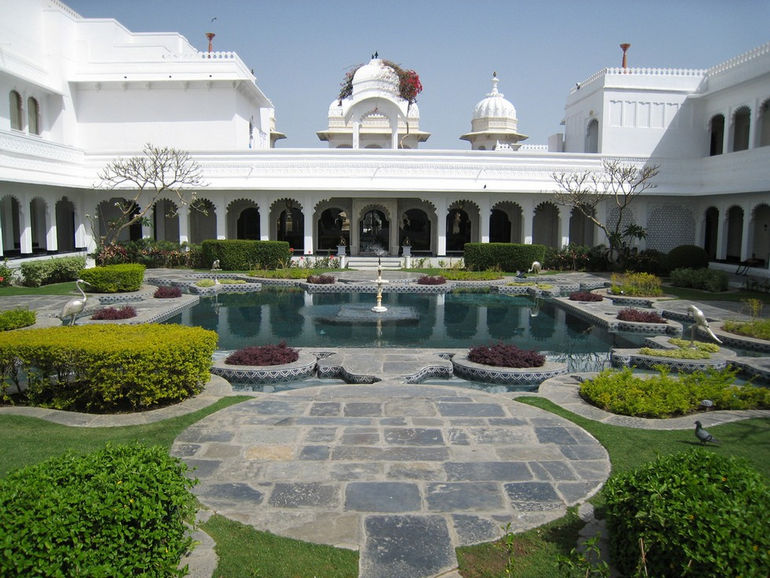 Taj-Lake-Palace-in-Udaipur-5