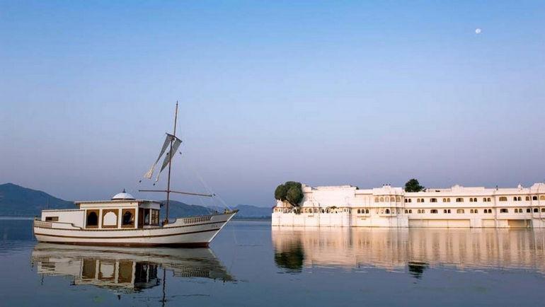 Taj_Lake_Palace_Udaipur_940_529_80_s_c1