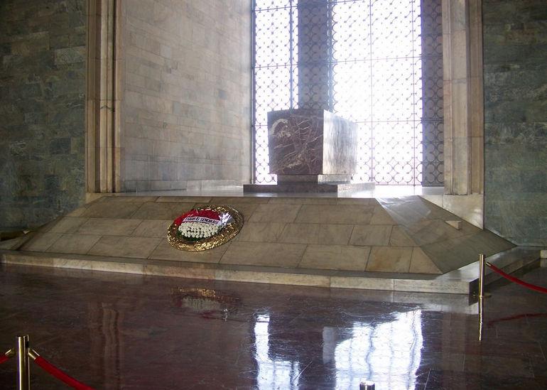 Tombe_de_Ataturk