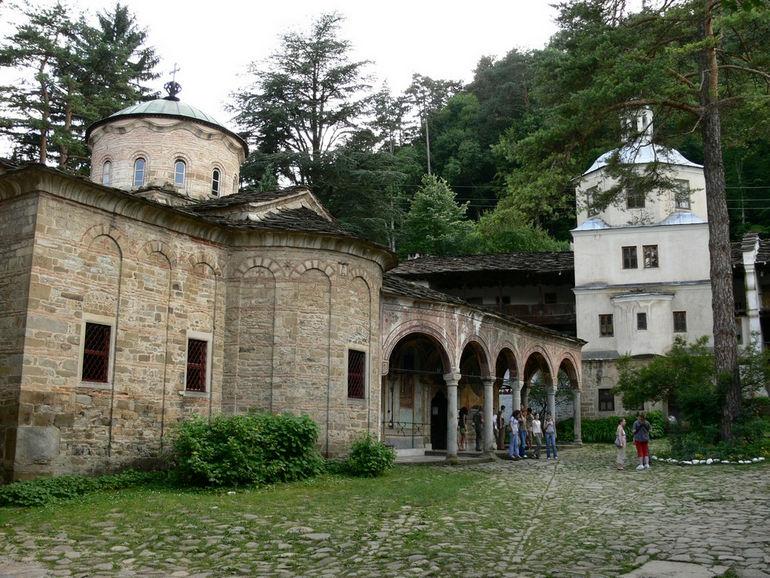 Troyan-monastery-imagesfrombulgaria