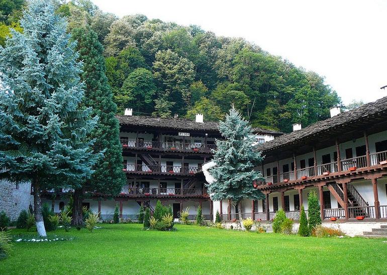 Troyan_Monastery_E2
