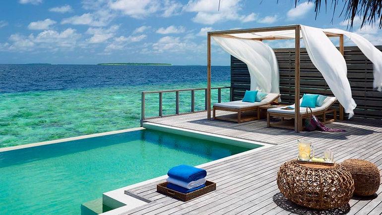 010359-30-Ocean_Villa_Deck