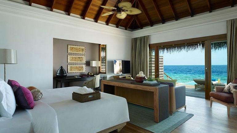 010359-33-water-villa-bedroom
