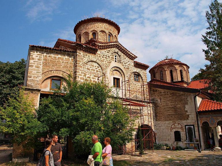 1024px-Bachkovo_Monastery_TB_3